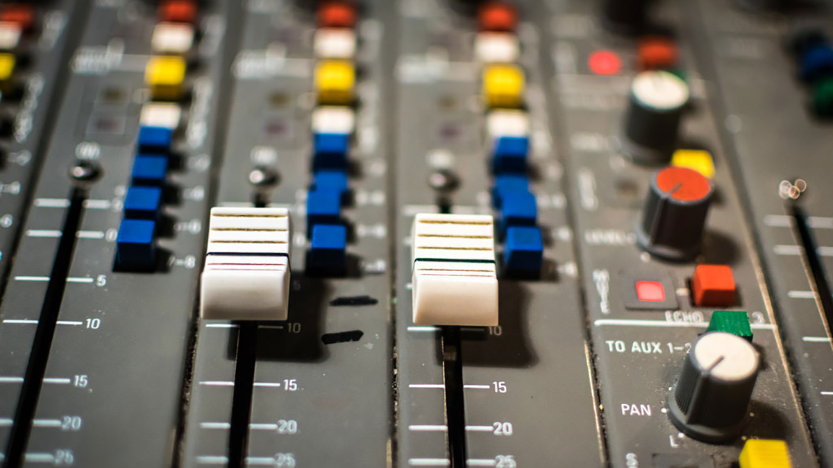 4 Creative Ways To Use Aux Sends and Returns