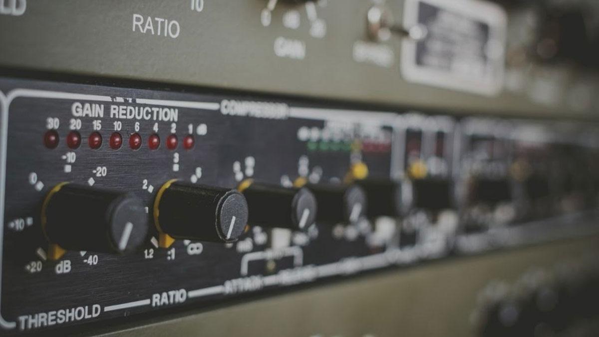 analog compressor for vocals