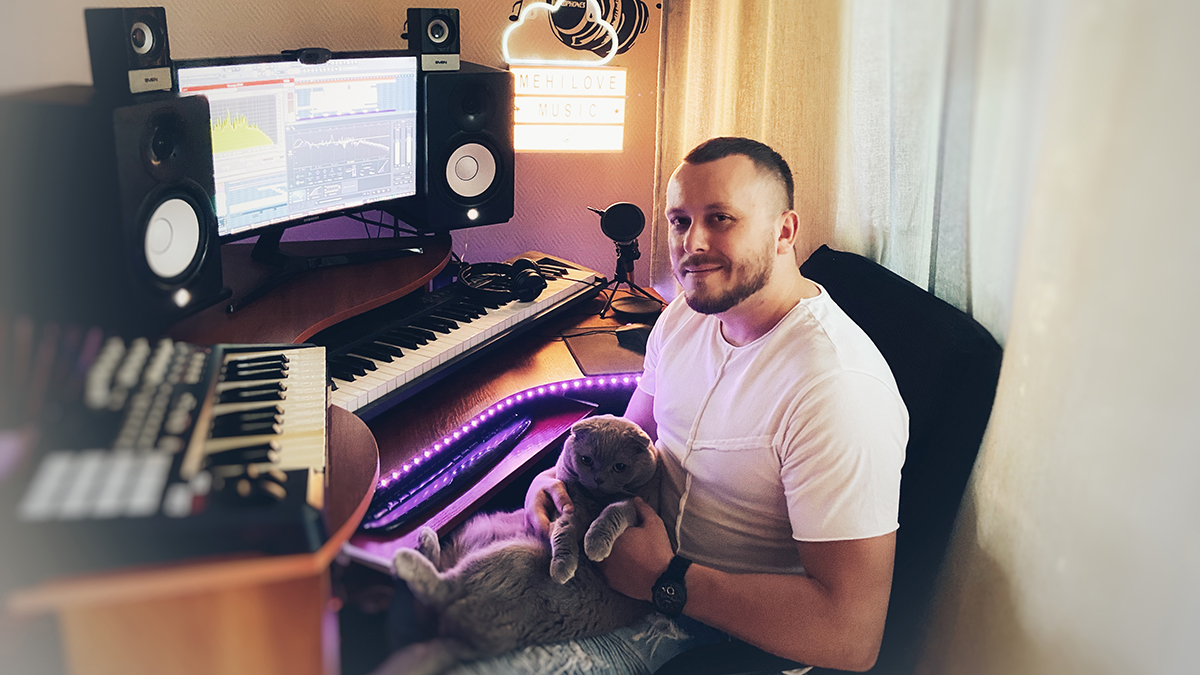 Yuriy Mikhailov in the studio