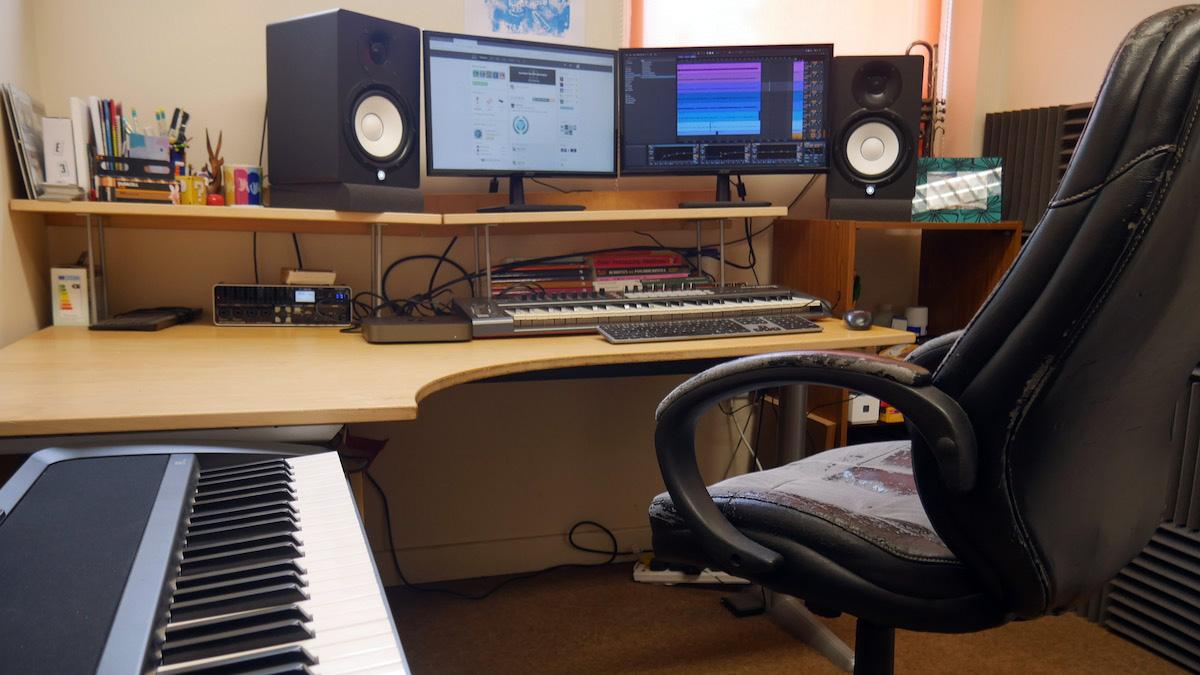 Andy Lowe studio